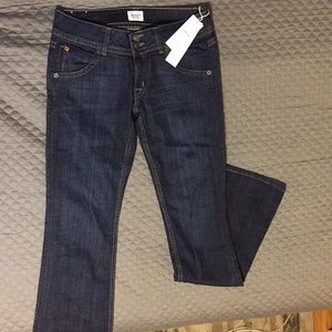 Hudson Signature bootcut Jeans. NWT Size 27.